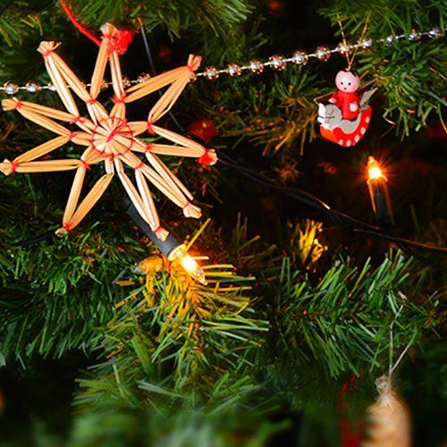 celebration-christmas-christmas-balls-250177_web